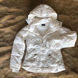 White goose down ski jacket. Size small.